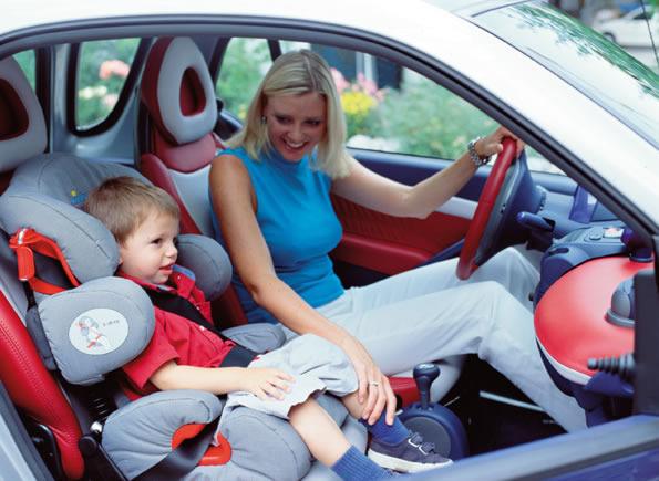 Можно ли перевозить ребенка до 12 лет на переднем сиденье автомобиля?